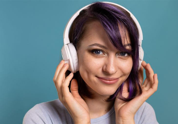 Wireless Bose Headphones for Noiseless Dentistry